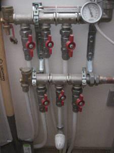 Η φωτογραφία 5. Ρυθμίζουμε τη θερμοκρασία στον αισθητήρα των μπαταριών
